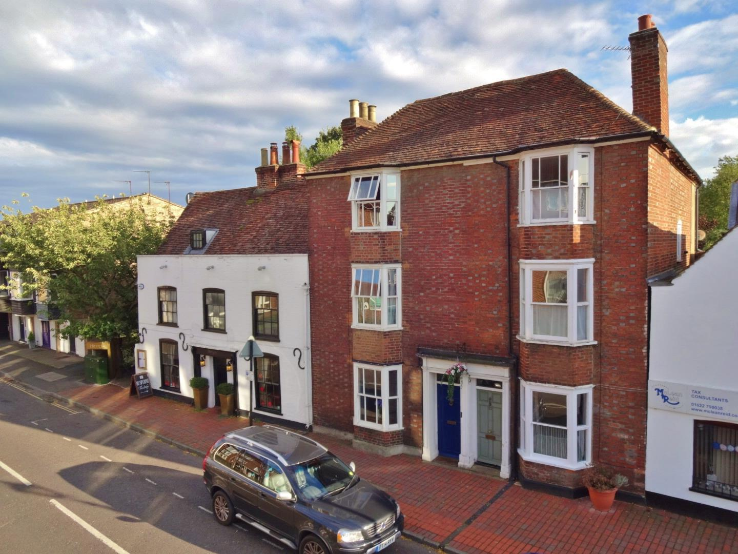 4 Bedrooms Terraced House for sale in High Street, Aylesford